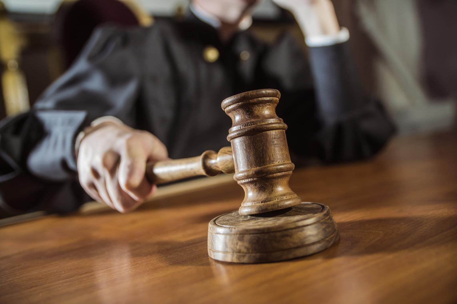Суд оштрафовал иркутянина за открытки с фюрером и дуче – Победа РФ