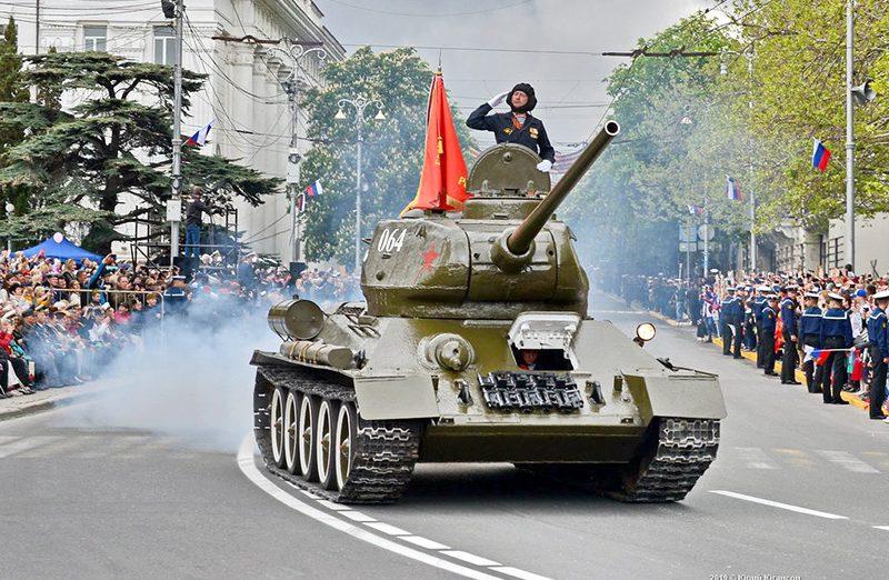 Почти 90 единиц техники ЧФ пройдут на параде Победы в Севастополе